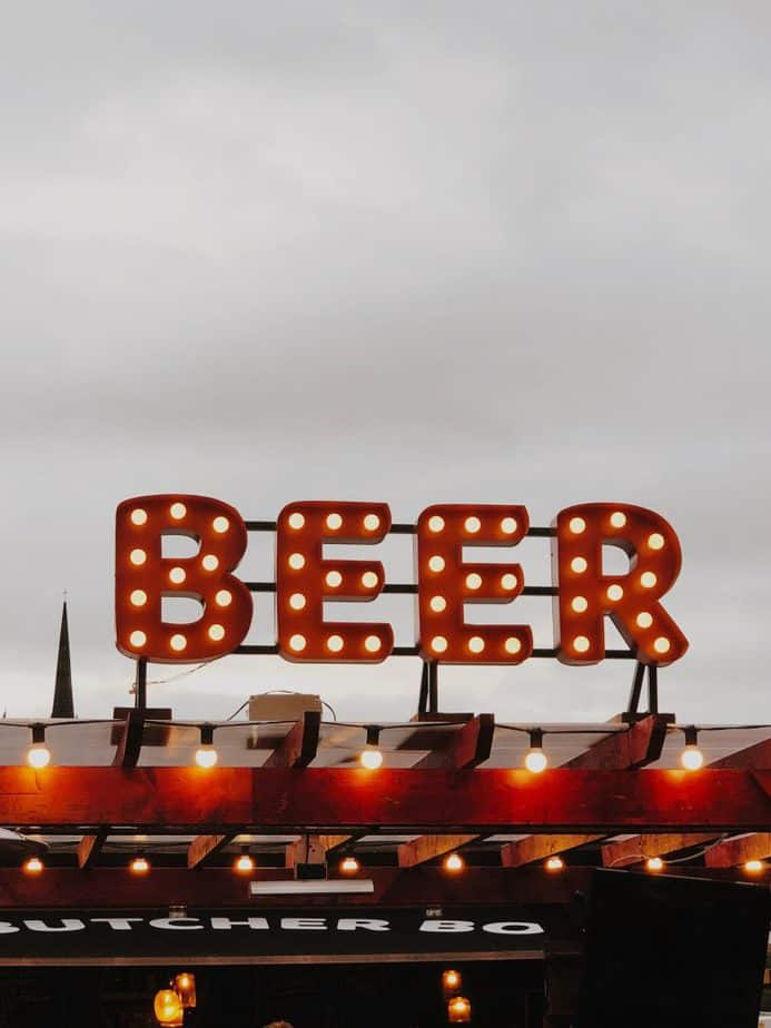 Beer Sign with round lights